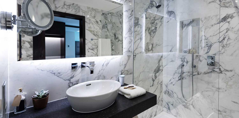 tamburlaine-bathroom